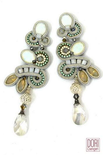 Chiara brincos da coleção Bridal de Dori Csengeri
