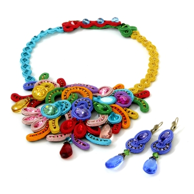 Folies necklace and earrings from Dori Csengeri