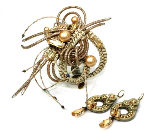 Intrigue bracelet & earrings by Dori Csengeri
