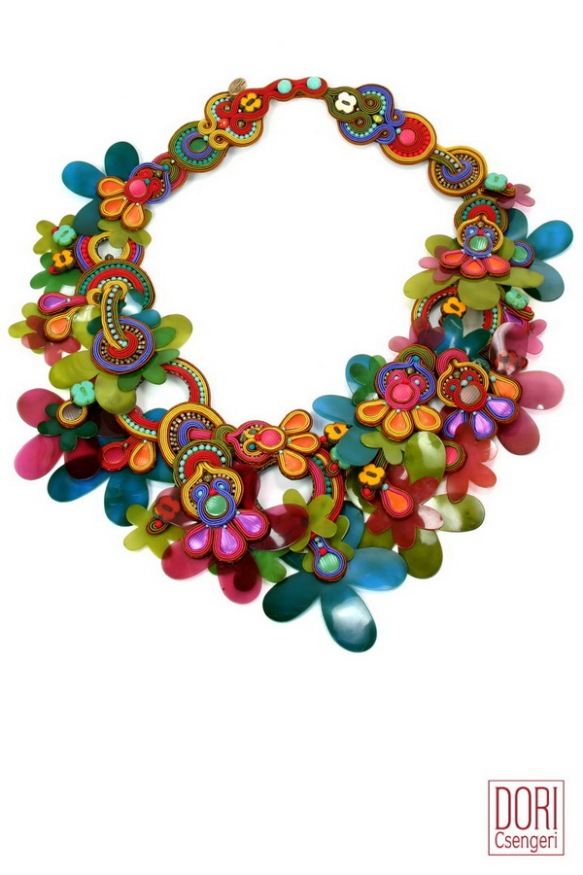 Delirio floral statement necklace by Dori Csengeri